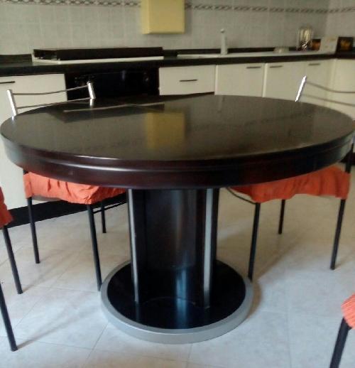 Tavolo rotondo apribile per pi persone in ottime condizio l 39 affarone - Tavolo rotondo per 5 persone ...